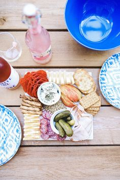 Plateau Charcuterie, Charcuterie Board, Types Of Cheese, Meat And Cheese, Best Appetizers, Appetizer Recipes, Honeycrisp Apples, Family Picnic, Pescatarian Recipes