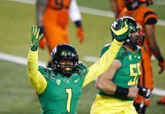 Oregon Ducks wide receiver Josh Huff (1), celebrates his touchdown against Oregon State