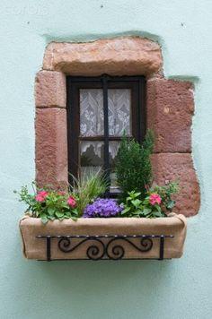 .Window Box