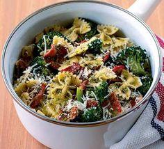 Bacon & broccoli pasta