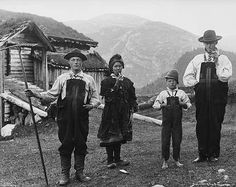 Setesdal, Norway ca 1882 Photo by Axel Lindahl Antique Photos, Old Photos, Vintage Photos, Oslo, Kingdom Of Sweden, Norway Viking, Les Fjords, Kristiansand, Visit Norway