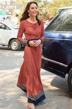 17 Gorgeous Outfits Kate Middleton Wore in India and Bhutan via @PureWow