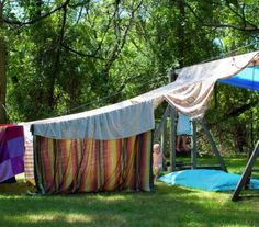 Summertime is perfect for fort building. Elaborate or simple, kids love a great secret hideaway. Here are 25 DIY forts for inspiration. Outdoor Forts, Outdoor Decor, Outdoor Play, Diy Fort, Build A Fort, Backyard For Kids, Family Activities, Preschool Activities, Kids Playing