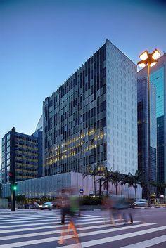 Edifício Banco SulAmericano, São Paulo, SP. Architect Rino Levi