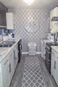 The Henderson Interiors Camden Trellis Wallpaper in Soft Grey Silver looks amazing styled in this Kitchen Area To shop this design visit homeinterior kitchendiner kitchengoals wallpaper Decor Home Living Room, Grey Home Decor, Living Room Designs, Kitchen Room Design, Home Decor Kitchen, Room Kitchen, Kitchen Cabinets, Dining Room, First Apartment Decorating
