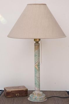Cómo hacer un pié de lámpara con un tubo de cartón | Aprender manualidades es facilisimo.com