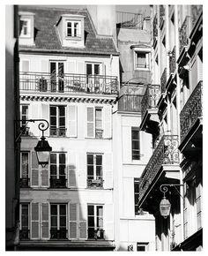 Paris print Black and white photography #blackandwhite #parisprint #paris #photography #print #wallart #homedecor #buyonline #buyart