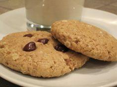 Vegan Peanut Butter Chocolate Chip Oatmeal Cookies