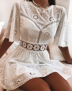 Take a breath and enjoy a balmy day in your backyard in our Agustina Dress White. Simple Dresses, Cute Dresses, Vintage Dresses, Beautiful Dresses, Casual Dresses, Casual Outfits, Cute Outfits, Beautiful Dream, Short Dresses