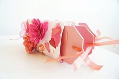 DIY Valentine gift scrapbook out of toilet paper rolls!