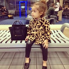 Real little divas are fashionista's who only carry designer bags. ;) Just ask Piper!