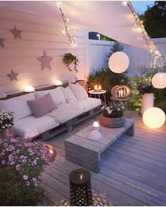 apartment patio decorating on Insta Web Viewer Posts, Videos & Stories Cr on Insta Web Viewer Posts, Videos & Stories Apartment Balcony Garden, Apartment Balconies, Outdoor Rooms, Outdoor Living, Outdoor Decor, Terrazas Chill Out, Patio Design, House Design, Design Web