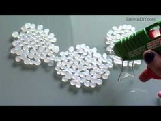 DIY: necklace with glue gun dots ... Haz un collar con una pistola de silicona - YouTube
