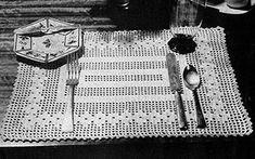 FREE crochet pattern for a Flower Filet Luncheon Set by Free Vintage Crochet. Crochet Cord, Thread Crochet, Filet Crochet, Crochet Doilies, Crochet Hooks, Crochet Flower, Vintage Crochet Patterns, Crochet Decoration, Crochet Kitchen