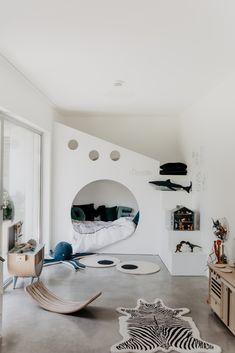 zu Besuch bei Katerina - ein modernes Hanghaus aus Sichtbeton Architectural Digest, Stylish Boys, Kidsroom, Bauhaus, Future House, Modern, Inspiration, Mansions, Interior Design
