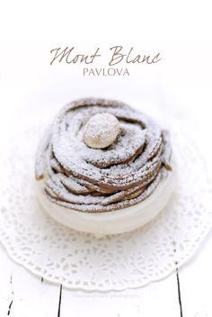 pane&burro: Una pavlova che sembra un Mont-Blanc (o forse lo è...