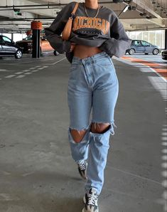 Adrette Outfits, Indie Outfits, Teen Fashion Outfits, Retro Outfits, Cute Casual Outfits, Stylish Outfits, Skater Girl Outfits, Cute Outfits With Sweatpants, Outfits With Jordans
