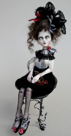Odd And Sorrowful Dolls of Julien Martinez - Irma Ooak Dolls, Art Dolls, Creepy Dolls, Creepy Art, Scary, Dark Fairytale, Gothic Dolls, Valley Of The Dolls, Halloween Doll