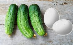 This Cucumber & Egg Mask helps in tightening or firming Sagging Breasts naturally. Also find the top 5 home remedies to uplift your sagging breasts without any surgery or pills. #SaggingBreasts #BreastLift