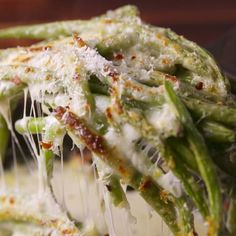 Cheesy Baked Green Beans - Cooking TV Recipes Real Food Recipes, Vegetarian Recipes, Spicy Green Beans, Main Dishes, Side Dishes, Cooking Tv, Bean Casserole, Soul Food, Stuffed Peppers