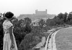 Pohľad na hrad r. 1956 Bratislava, Country Roads