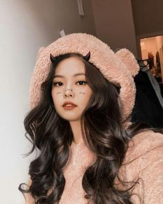 Kim Jennie, Blackpink Photos, Girl Photos, Korean Girl, Asian Girl, Korean Women, Mode Kpop, Blackpink Video, Black Pink Kpop