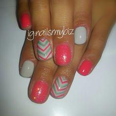 Shellac gel nail design using Tropix, Cityscape and Sage scarf.