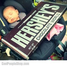 World's Largest Hershey's Bar . Satisfy your sweet tooth while ensuring onset diabetes after devouring the world's largest Hershey's bar. Hershey Milk Chocolate Bar, Chocolate World, Hershey Bar, Chocolate Lovers, Cool Gifts, Best Gifts, Amazing Gifts, Types Of Candy, Classic Candy