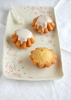 Amaretto butter cakes / Bolinhos de Amaretto