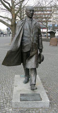 Denkmal Adenauer Adenauerplatz Berlin