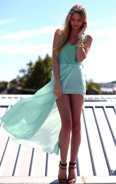 love the short front and long back and the light turquoise colour!