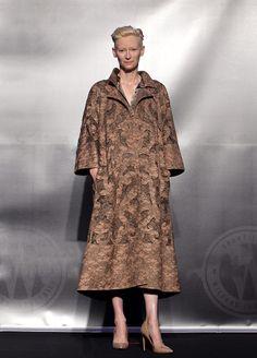 Las mejor vestidas - Tilda Swinton - Valentino
