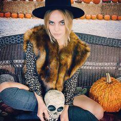 Spooky HalloweenPhotoShoot from @shopvandevort featuring Line&Dot Scarlette Faux Fur Vest #LineandDot #LineandDotXO #FW14 #Halloween #Boo #Fur (at www.thelineanddot.com)