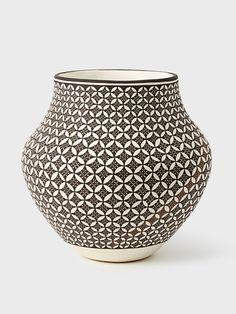 Acoma Pot by Daniel Lucario | DARA Artisans