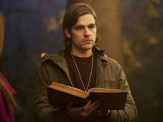 The Magicians - Episode - Remedial Battle Magic - Promo, Synopsis & Promotional Photos *Updated* The Magicians Book Series, The Magicians Syfy, Film Books, Book Tv, Jason Ralph, Male Witch, Den Of Geek, A Whole New World, Photo Reference