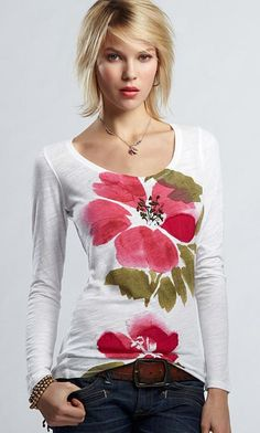 I love this Rose T-Shirt by Lucky Brand! Dress Painting, T Shirt Painting, Fabric Painting, Watercolor Fabric, Fabric Paint Designs, Cycling T Shirts, Hand Painted Fabric, Rose T Shirt, Painted Clothes