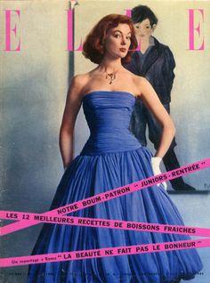 Le peintre et cover-girl américaine Ivy Nicholson en robe de mousseline en couverture de Elle n°556 du 20 aout 1956 - photo Jeanloup Sieff