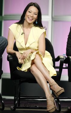Lucy Liu has awesome crossed parallel legs Lucy Liu, Lucy Watson, Mary Elizabeth Winstead, Teresa Palmer, Le Jolie, Beautiful Asian Girls, Beautiful Women, Beautiful Legs, Beautiful Actresses
