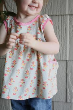 craftiness is not optional: Leah tunic Part 1: making the pattern and cutting it out
