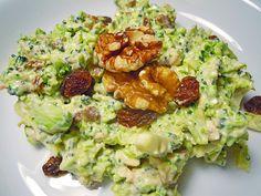 Brokkolisalat (roh) (Rezept mit Bild) von alklink | Chefkoch.de