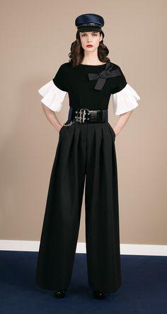 Paule KA automne 2014 - hiver 2015. Pantalon large en tricotine stretchhttp://www.pinterest.com/thegabian/the-magic-wardrobe/