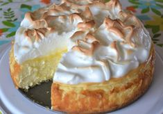 Love lemon meringue pie and cheesecake? Well this is the best of both worlds. Gr… Love lemon meringue pie and cheesecake? Well this is the best of both worlds. Great any time of year and sure to impress your guests. Lemon Desserts, Lemon Recipes, Just Desserts, Delicious Desserts, Meringue Desserts, Cheese Recipes, Healthy Desserts, Seafood Recipes, Gastronomia