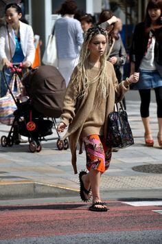 on the street .. Harajuku - Hirari Ikeda ,Toge-Toge Sandal  -