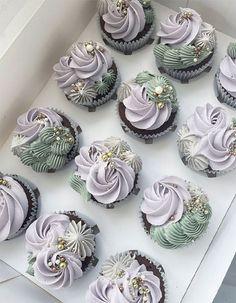 Rustic Cupcakes, Elegant Cupcakes, Fancy Cupcakes, Pretty Cupcakes, Eid Cupcakes, Pumpkin Cupcakes, Bridal Shower Cupcakes, Wedding Cupcakes, Wedding Desserts
