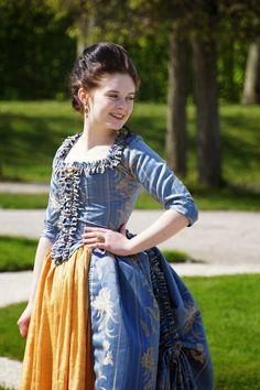 FlouncedLucia: blue Rococo Dress: Polonaise cut en fourreau: Part 3: photoshoot