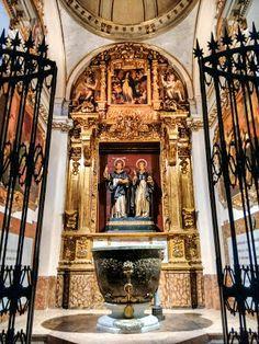 Bitácora de Juancar. Valencia Centro Histórico en imágenes. Rincones y lugares. : La Pila Bautismal donde fue bautizado San Vicente ...