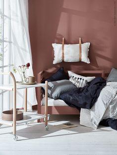 IKEA PS 2017 sidobord med hjul, TARVA dagbädd.