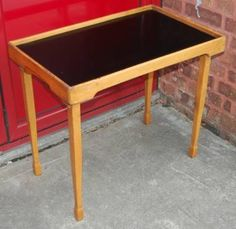 Cool 1950s Silverdale Folding Table in Light Oak, which turns into a fab tray! Now sold