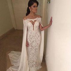 Resultado de imagem para vestidos de noivas sereia com capas