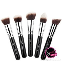 Sigma Kabuki Brush Kit -- A must for FLAWLESS makeup and concealer application! I love it! It looks so smooth and airbrushed every time hahaha!